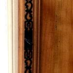 Bonnetière ancienne détail chambranle et ferrure restaurée