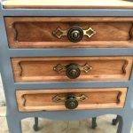 paire de tables de chevet trois tiroirs