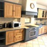 Relooking d'une cuisine en bois : vue générale