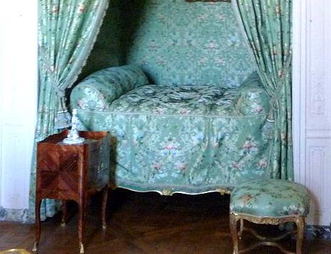 table de nuit de Madame de Pompadour
